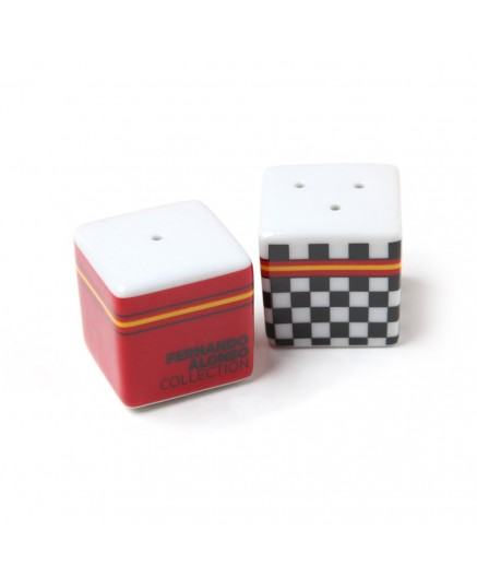 Checkered flag salt pepper shakers