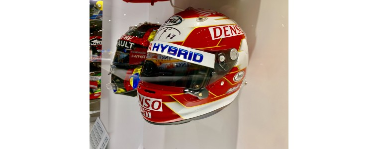 Nakajima's helmet arrives to Fernando Alonso museum!